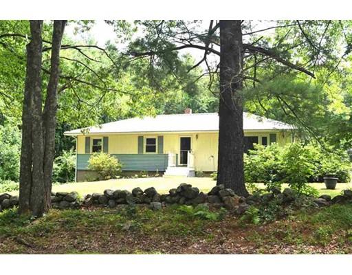Casa Unifamiliar por un Venta en 142 Maple Avenue Atkinson, Nueva Hampshire 03811 Estados Unidos