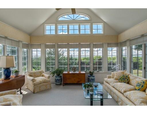 共管式独立产权公寓 为 销售 在 2 Great Hill Drive 斯菲尔德, 01983 美国