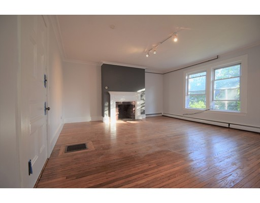Additional photo for property listing at 41 Elmore  Boston, Massachusetts 02119 Estados Unidos