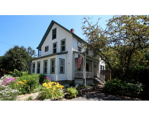 Casa Unifamiliar por un Venta en 13 North Street Erving, Massachusetts 01344 Estados Unidos