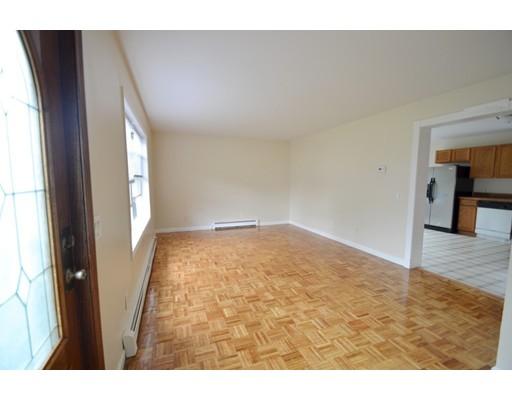 Maison accolée pour l à louer à 18 Berkeley Road #1 18 Berkeley Road #1 Dedham, Massachusetts 02026 États-Unis