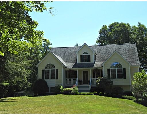 Single Family Home for Sale at 311 Emerson Avenue Hampstead, New Hampshire 03841 United States