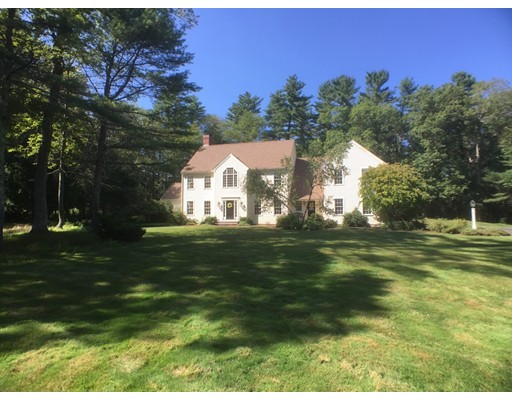 واحد منزل الأسرة للـ Sale في 39 Forest Lane Boxford, Massachusetts 01921 United States