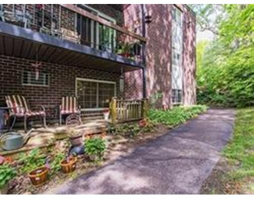 واحد منزل الأسرة للـ Rent في 599 Old West Central 599 Old West Central Franklin, Massachusetts 02038 United States