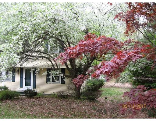 Casa Unifamiliar por un Venta en 46 Old City Road 46 Old City Road Townsend, Massachusetts 01474 Estados Unidos