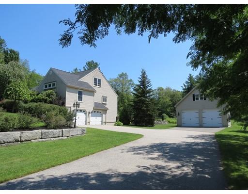 Maison unifamiliale pour l Vente à 49 Carleton Road Millbury, Massachusetts 01527 États-Unis