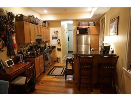 公寓 为 出租 在 13 Grove Street 13 Grove Street 波士顿, 马萨诸塞州 02114 美国