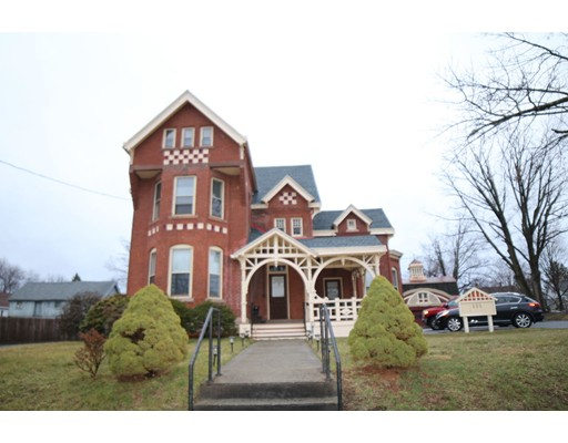 121 Pearl St, Enfield, CT 06082