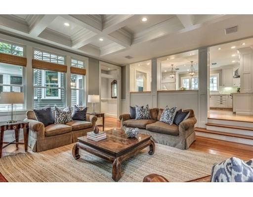 Частный односемейный дом для того Продажа на 7 Winthrop Road Lexington, Массачусетс 02421 Соединенные Штаты