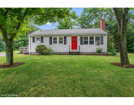 Single Family Home for Sale at 101 Brook Street Plympton, Massachusetts 02367 United States