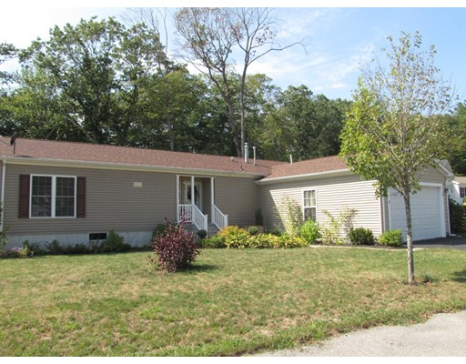 Single Family Home for Sale at 3 Leslie Court Rockland, Massachusetts 02370 United States