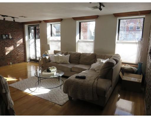 Casa Unifamiliar por un Alquiler en 12 Greenough Lane Boston, Massachusetts 02113 Estados Unidos