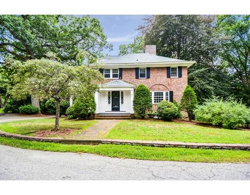 Частный односемейный дом для того Продажа на 49 Woodleigh Road Dedham, Массачусетс 02026 Соединенные Штаты