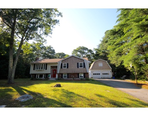 Single Family Home for Sale at 10 Pierce Way Freetown, Massachusetts 02717 United States