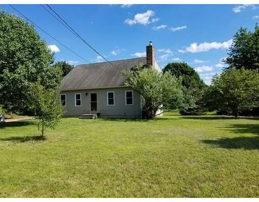 Maison unifamiliale pour l Vente à 4 Stanley Avenue Berkley, Massachusetts 02779 États-Unis
