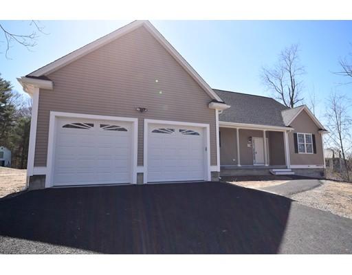 独户住宅 为 销售 在 139 Summer Street 139 Summer Street Blackstone, 马萨诸塞州 01504 美国