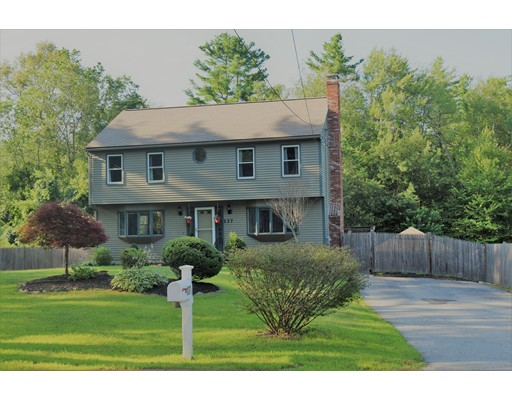 Single Family Home for Sale at 137 West Street Douglas, Massachusetts 01516 United States