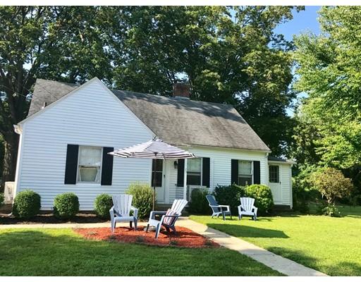 واحد منزل الأسرة للـ Sale في 25 School Street Sunderland, Massachusetts 01375 United States