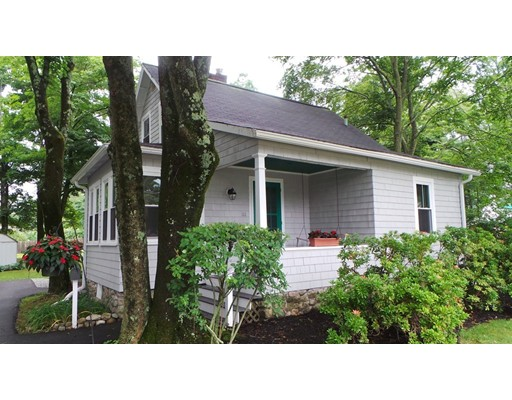 Single Family Home for Sale at 111 Central Street Foxboro, Massachusetts 02035 United States