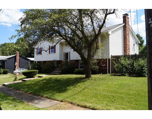 Single Family Home for Rent at 70 West Park Drive Wakefield, Massachusetts 01880 United States