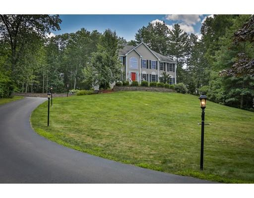 Частный односемейный дом для того Продажа на 22 Simpson Road Windham, Нью-Гэмпшир 03087 Соединенные Штаты