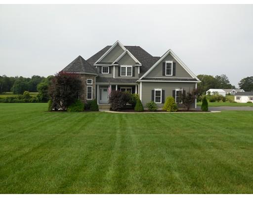 Casa Unifamiliar por un Venta en 94 Gunn Road Southampton, Massachusetts 01073 Estados Unidos