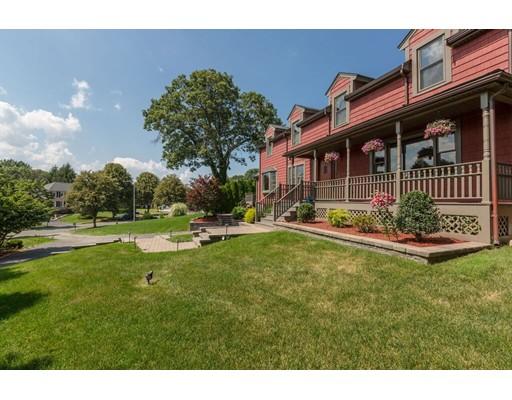Maison unifamiliale pour l Vente à 31 Zana Park Drive Braintree, Massachusetts 02184 États-Unis