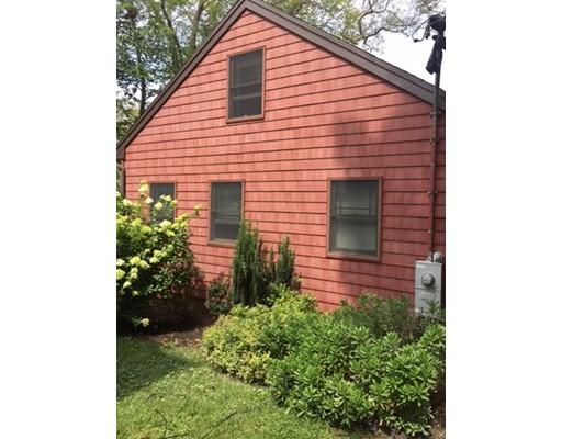 Maison unifamiliale pour l Vente à 440 Lake Washington Drive Glocester, Rhode Island 02814 États-Unis