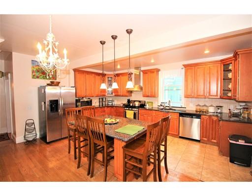 Casa Multifamiliar por un Venta en 498 Western Avenue Lynn, Massachusetts 01904 Estados Unidos
