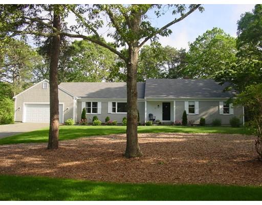 Maison unifamiliale pour l Vente à 51 North Gate Chatham, Massachusetts 02650 États-Unis