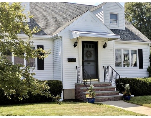 Single Family Home for Sale at 18 Maple Street Lynnfield, 01940 United States