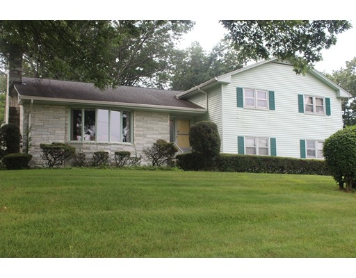 Casa Unifamiliar por un Alquiler en 885 Williams Street Longmeadow, Massachusetts 01106 Estados Unidos
