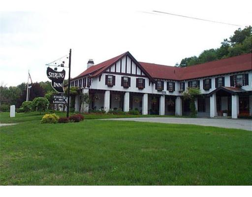 Commercial للـ Sale في 240 Worcester Road 240 Worcester Road Sterling, Massachusetts 01564 United States