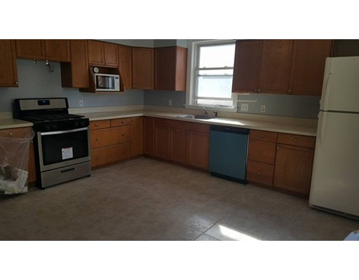 Additional photo for property listing at 132 Thorndike  Brookline, Massachusetts 02446 Estados Unidos