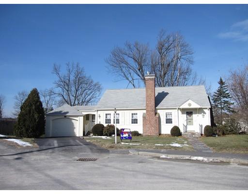 独户住宅 为 销售 在 32 Mayflower Circle 伍斯特, 01606 美国