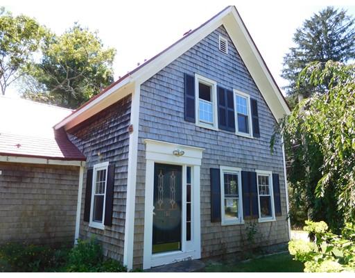 Maison unifamiliale pour l Vente à 158 Tremont Street Carver, Massachusetts 02330 États-Unis