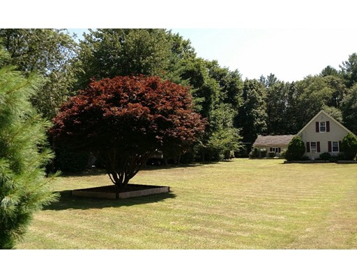Casa Unifamiliar por un Venta en 262 Central Street Rockland, Massachusetts 02370 Estados Unidos