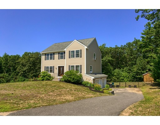 Single Family Home for Sale at 58 Waterford Drive Sandown, New Hampshire 03873 United States