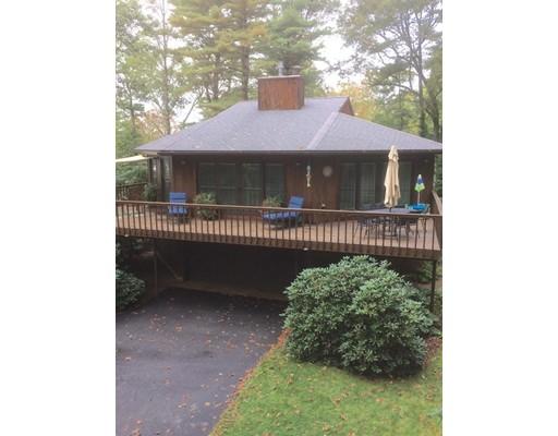 Maison unifamiliale pour l Vente à 224 Hemlocks Lakeville, Massachusetts 02347 États-Unis