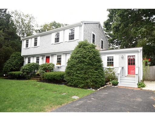 51 Bourne Park Ave, Marshfield, MA 02050