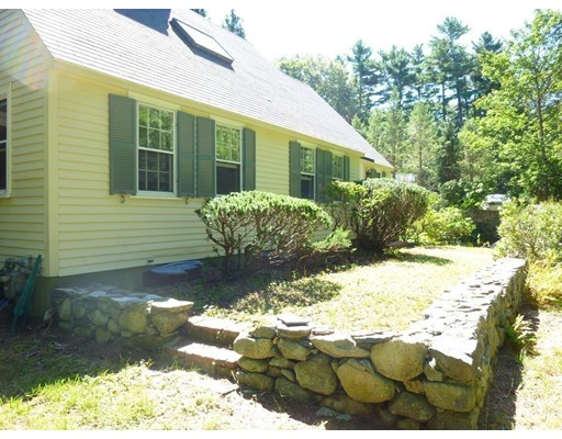 Single Family Home for Rent at 38 Fairview 38 Fairview Weston, Massachusetts 02493 United States