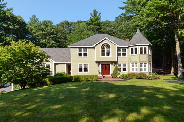 Property for sale at 6 Meeting Place Cir, Boxford,  MA 01921