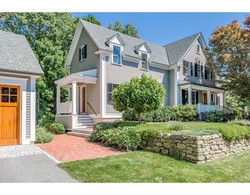 واحد منزل الأسرة للـ Sale في 60 Lang Street Concord, Massachusetts 01742 United States