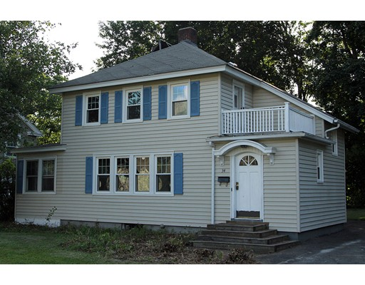 Casa Unifamiliar por un Venta en 34 Revere Pkwy 34 Revere Pkwy Pittsfield, Massachusetts 01201 Estados Unidos