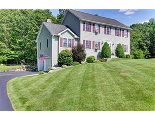 Casa Unifamiliar por un Venta en 4 Thornberry Circle Spencer, Massachusetts 01562 Estados Unidos