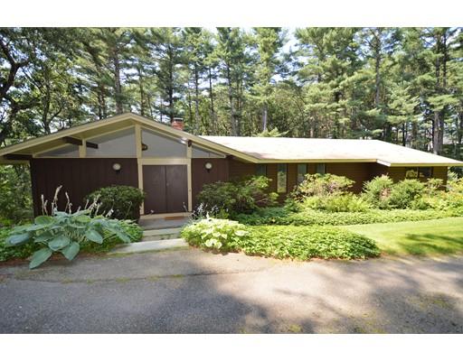 واحد منزل الأسرة للـ Sale في 23 Revolutionary Road Concord, Massachusetts 01742 United States