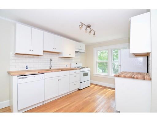 Квартира для того Аренда на 60 High Street #2L Amesbury, Массачусетс 01913 Соединенные Штаты