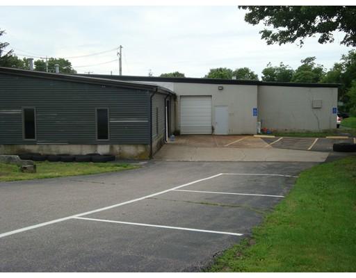 Commercial للـ Rent في 184 Orne Street 184 Orne Street North Attleboro, Massachusetts 02760 United States