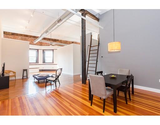 独户住宅 为 出租 在 70 Exchange Street 林恩, 01901 美国