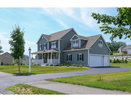 Частный односемейный дом для того Продажа на 57 Glenside Drive 57 Glenside Drive Blackstone, Массачусетс 01504 Соединенные Штаты